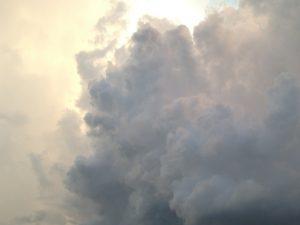 台風と温帯低気圧の違い