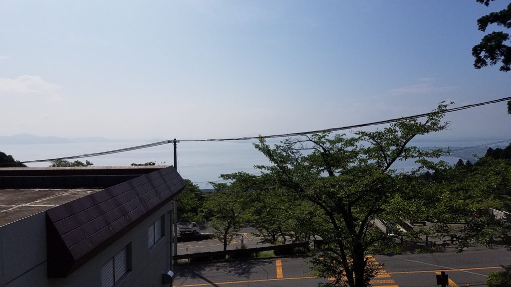 琵琶湖バレイ麓